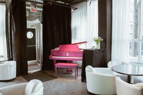 Z-Tapas-Lounge-at-Hôtel-Zéro-1